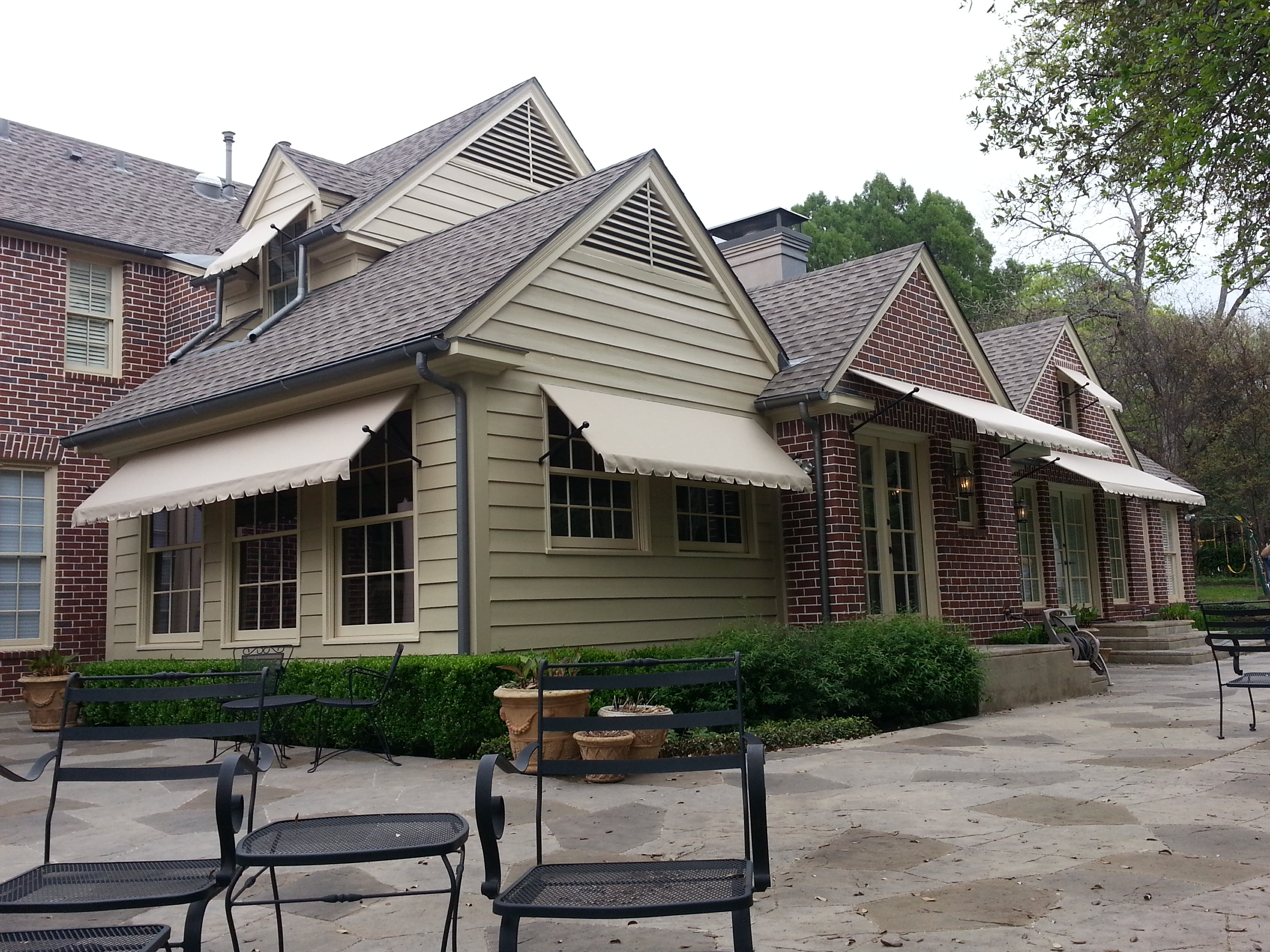 Retractable Awnings: Canopies & Shade Structures FT Worth ...